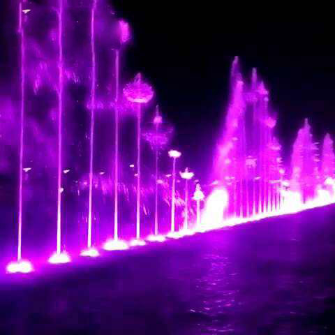 Large lake fountain dancing music water feature