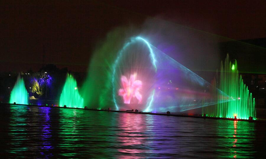 Outdoor Water Screen Movie With Laser Projector Screen Movie Fountain Show